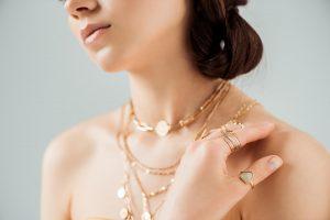 Smykker på afbetaling ringe og halskæder